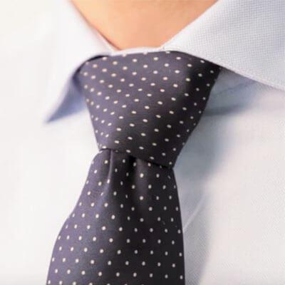 wie binde ich eine krawatte die 6 besten krawattenknoten frage 1 von 1. Black Bedroom Furniture Sets. Home Design Ideas
